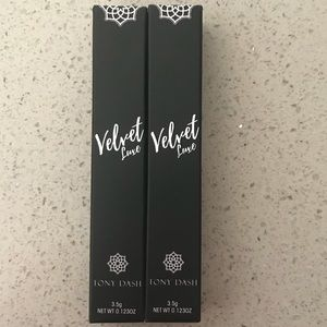 ❤️NWT❤️ Bundle of TWO Tony Dash Velvet Matte Lip